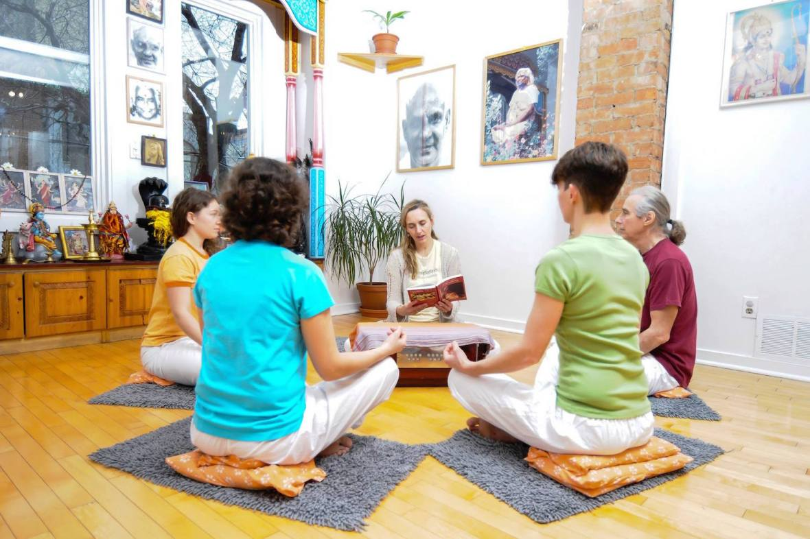 satsang-with-saraswati-sivananda-yoga-vedanta-center-nyc